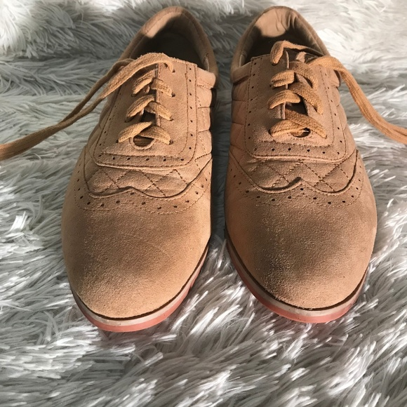 b01fa9406a0 Forever 21 Shoes - Forever 21 beige suede oxfords size 8